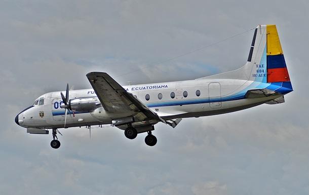 Військовий літак розбився в Еквадорі: загинули 22 людини