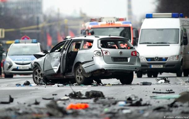 Взрыв авто в Берлине: полиция подозревает  русскую мафию