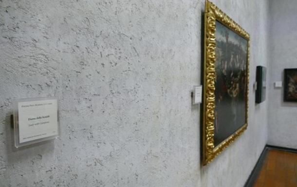 За крадіжку картин з музею в Італії затримали десятьох молдаван
