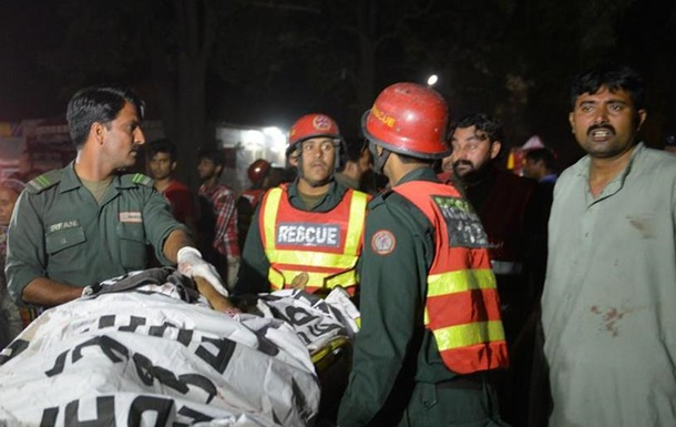 Більше 60 жертв вибуху в Пакистані:  Талібан  пообіцяв нові теракти