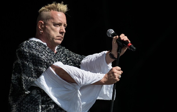 Екс-соліст Sex Pistols майже осліп
