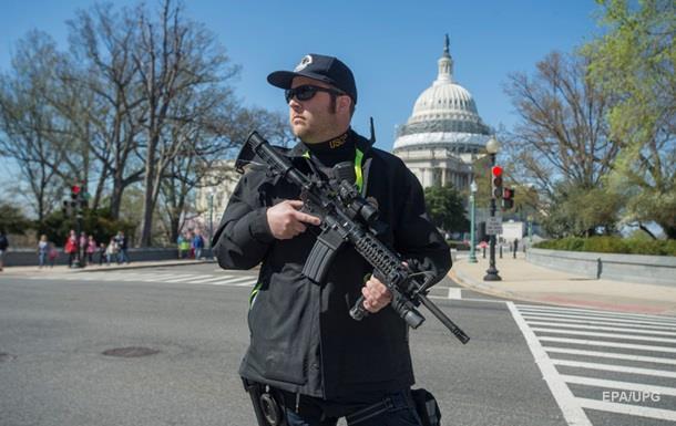 В здании Капитолия в США ранили полицейского