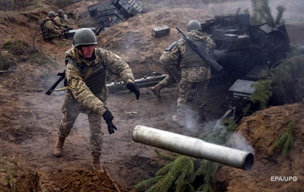 Донбасс обстреливают из тяжелых орудий