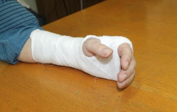На Херсонщині помічник нардепа зламав руку редактору - ЗМІ