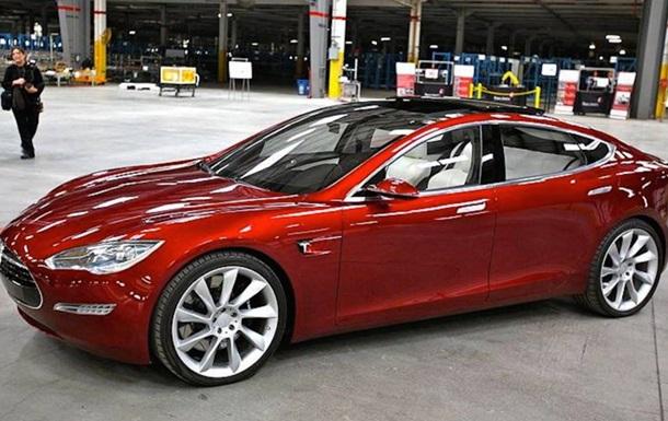 Tesla представила  доступную модель  своего электромобиля