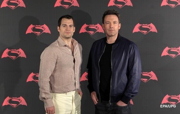 Бэтмен против Супермена : новости