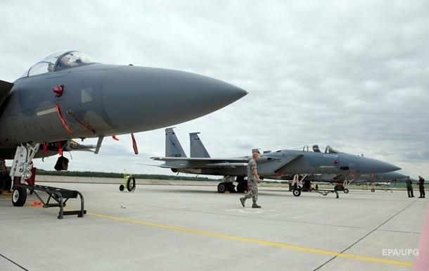 США розмістили F-15 в Ісландії і Нідерландах