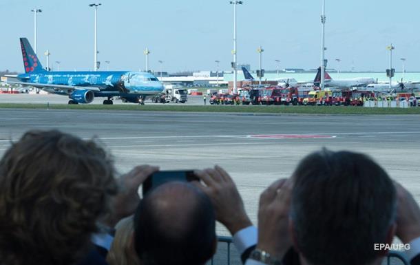 Із брюссельського аеропорту вилетів перший літак