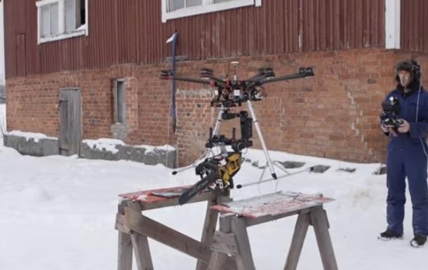 Вооруженный бензопилой дрон всколыхнул Сеть