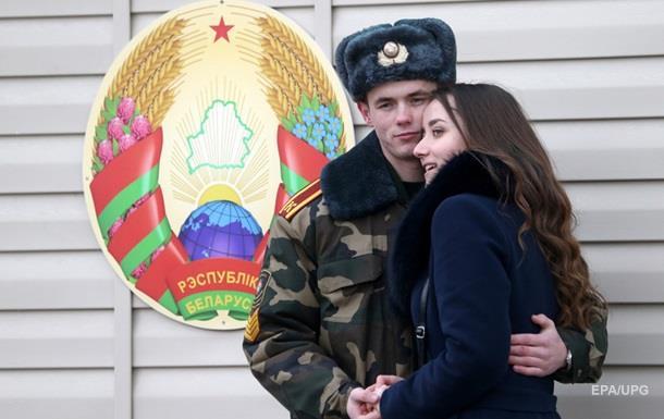 Білорусь включила  кольорові революції  у список загроз