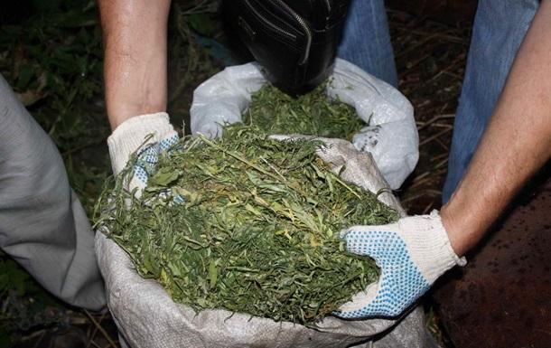 Слава Украине: здесь ажиотажный спрос на наркотики и ритуальные услуги