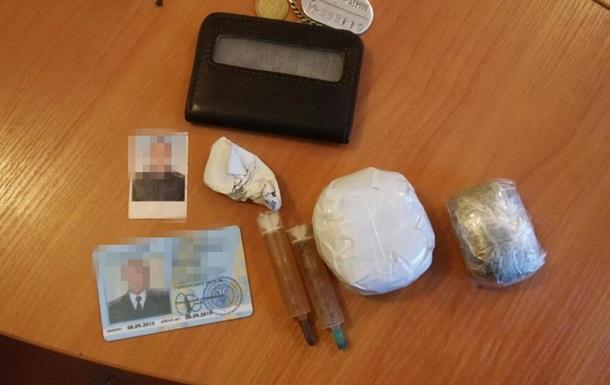 Заступник начальника колонії продавав ув язненим наркотики