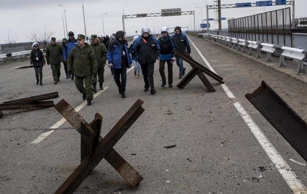 Продовжено роботу місії ОБСЄ в пунктах пропуску Гукове і Донецьк
