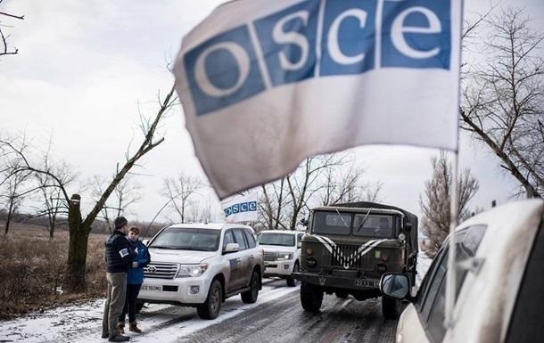 В Снежном обстреляли машину ОБСЕ