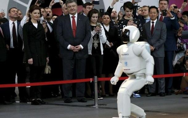 Остапа понесло!  - как «чемпион по перемирию» Порошенко выступал перед японцами