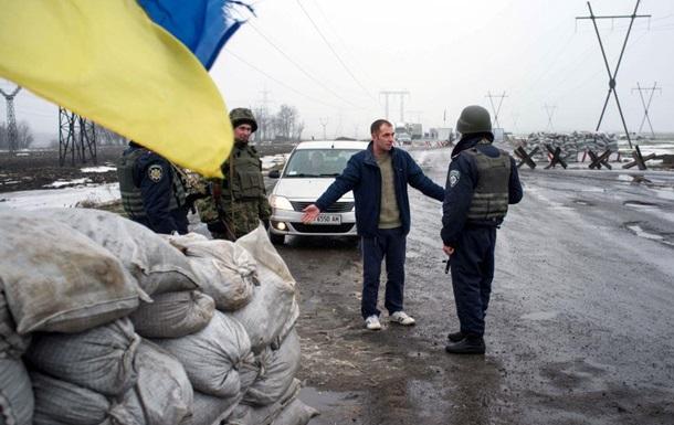 Киев усиливает блокаду ДНР, закрывая КПП и срывая посевной сезон