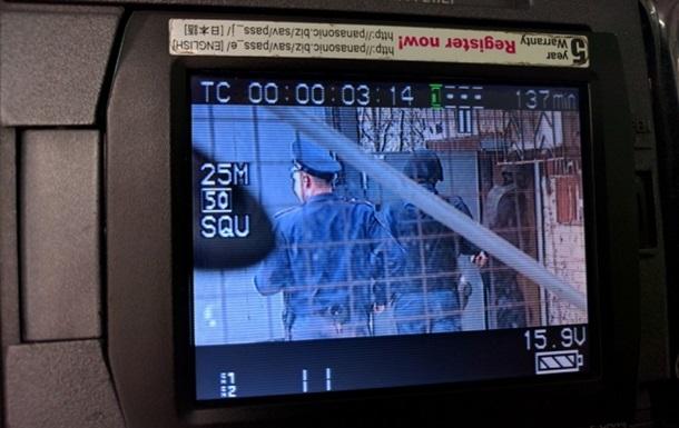 Российских ГРУшников привезли в суд в бронежилетах и шлемах