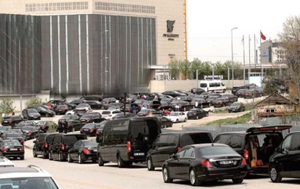 Саудівський король орендував 500 Mercedes для візиту до Туреччини