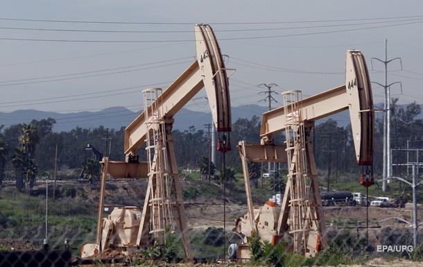 Цены на нефть падают из-за роста запасов в США