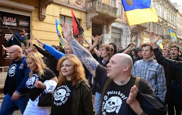 Продолжатели традиций: боевики нацбатальонов обращаются с пленными, как фашисты