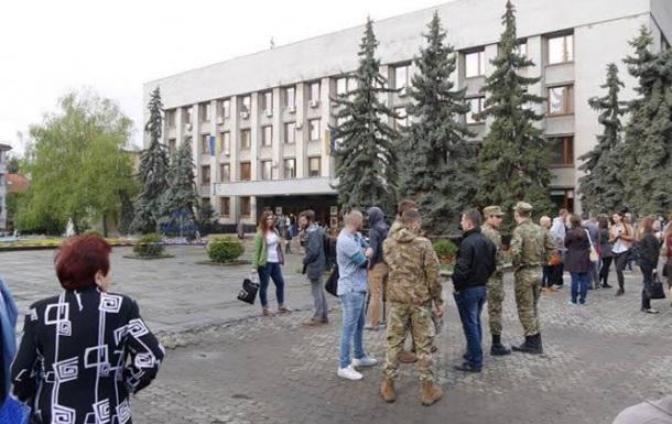 У туалеті ужгородської мерії знайшли гранату