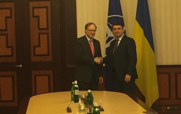 НАТО подготовит комплексный пакет помощи Украине