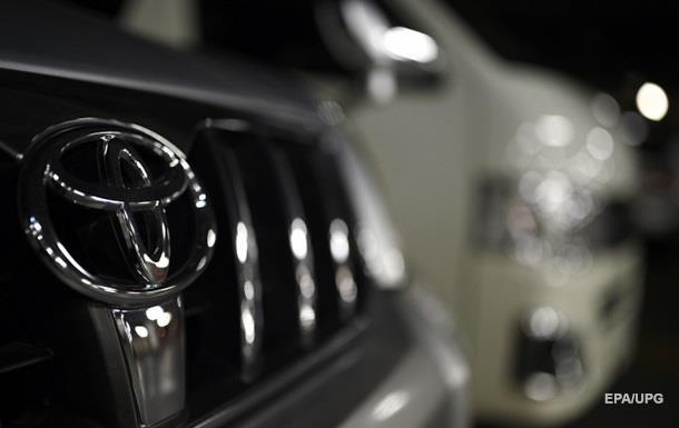 Toyota зупиняє заводи після землетрусу в Японії