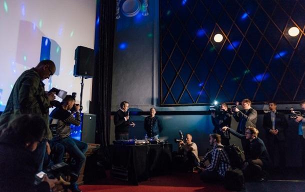 Президент Естонії відіграє DJ-сет у фінському нічному клубі