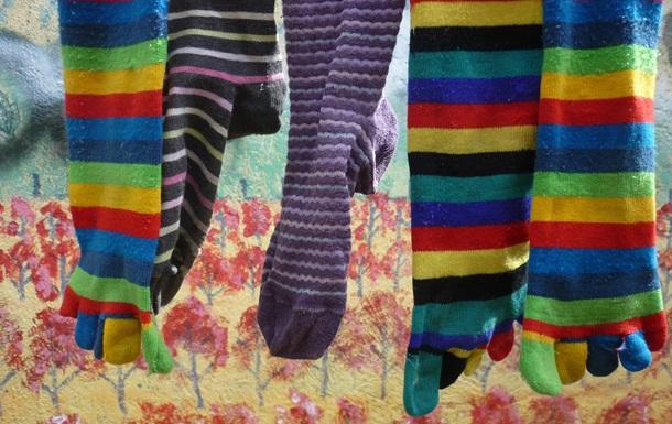 Вчені з ясували, чому зникають шкарпетки