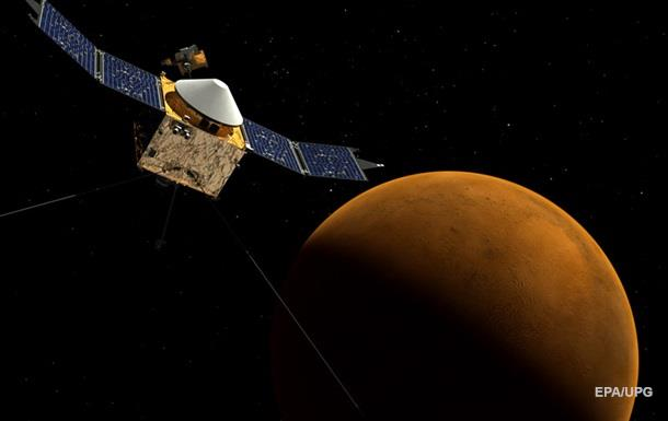 Показані фото космічного апарату, який зник на Марсі