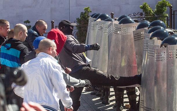 Нацгвардія  відбила напад  на посольство Азербайджану