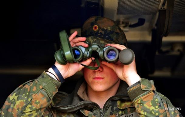 Країни Вишеградської групи розмістять військових у країнах Балтії