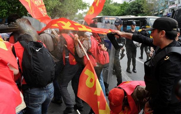 При разгоне митинга в Стамбуле погиб человек