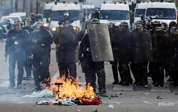 Першотравневий марш у Парижі закінчився сутичками з поліцією