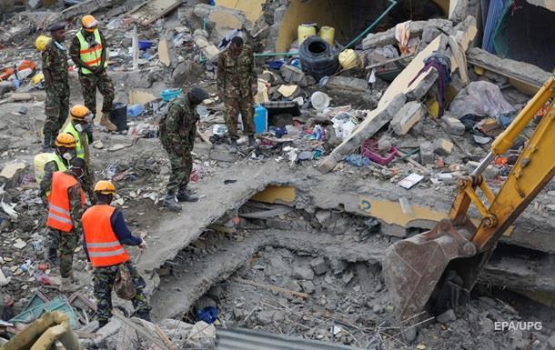 Обвалення будинку в Кенії: кількість жертв зросла до 20