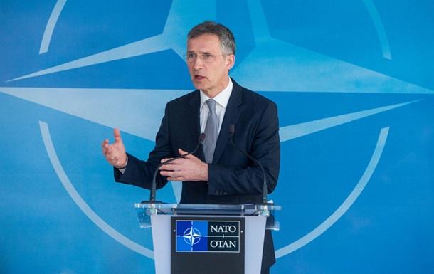 НАТО не собирается отказываться от ядерного оружия