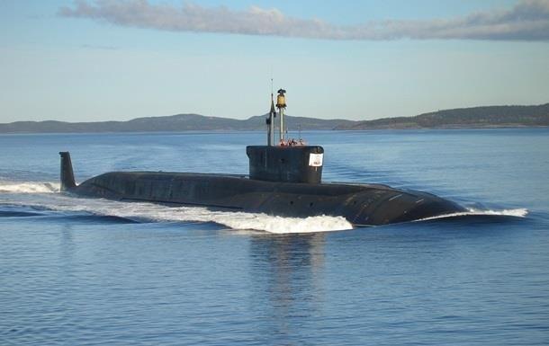 Росія веде до Криму нові підводні човни - розвідка
