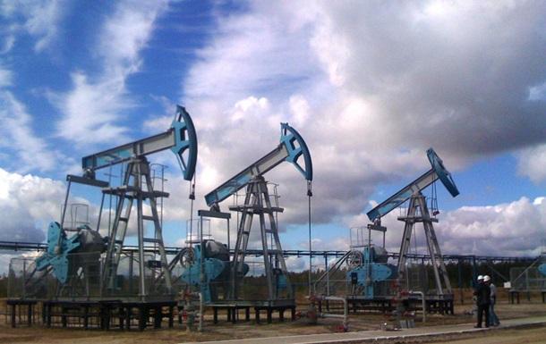 Нафта дешевшає через її надлишок на ринку