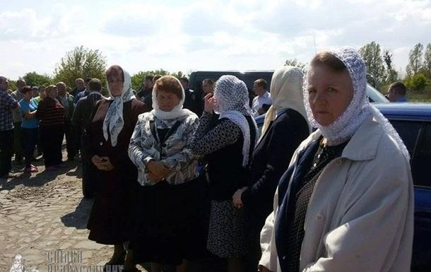 На Рівненщині хотіли скинути в річку авто священика - ЗМІ