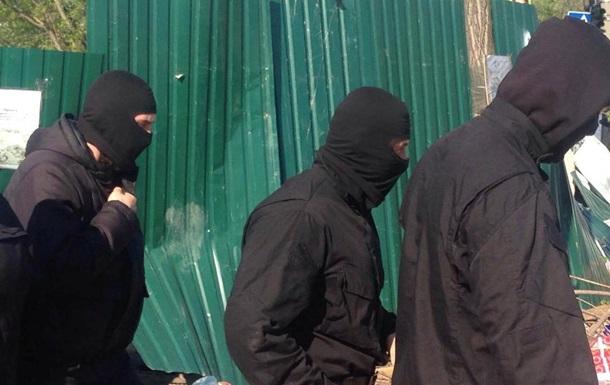 На Киевщине мужчины в балаклавах напали на фирму