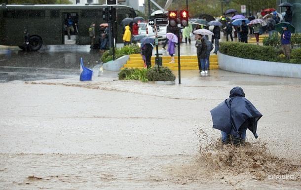 Більш як 2500 жителів Домінікани евакуйовано через повінь