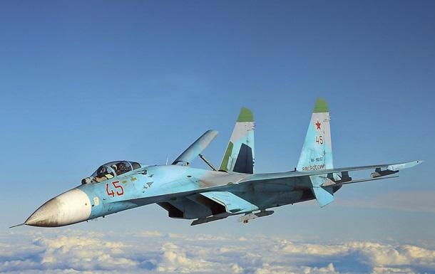 Російський винищувач перехопив літак США