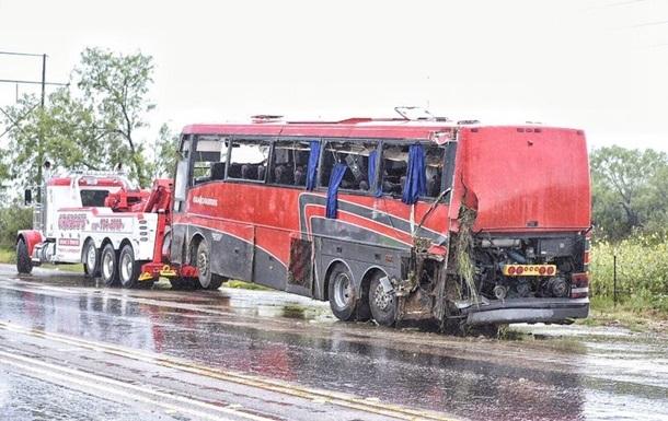 Пасажирський автобус розбився у Техасі: восьмеро загиблих