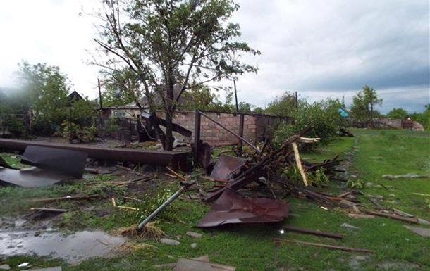 Негода на Луганщині: пошкоджені житлові будинки