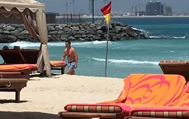 Экс-генпрокурора заметили на отдыхе в Дубаи
