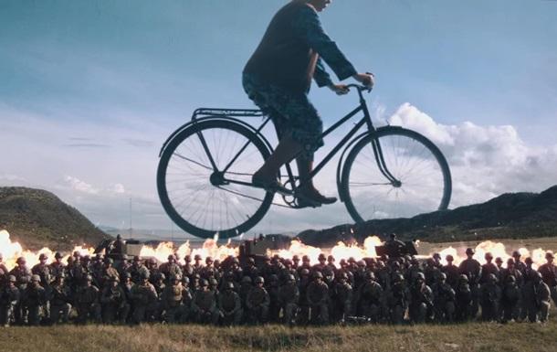 Сюрреалістичний кліп Coldplay став хітом