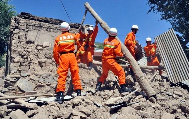 192 будинки впали під час землетрусів у Китаї