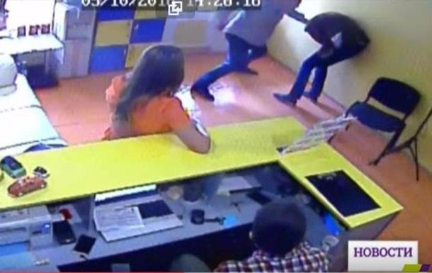 В Одесі дитячий лікар побив двох людей через стоянку