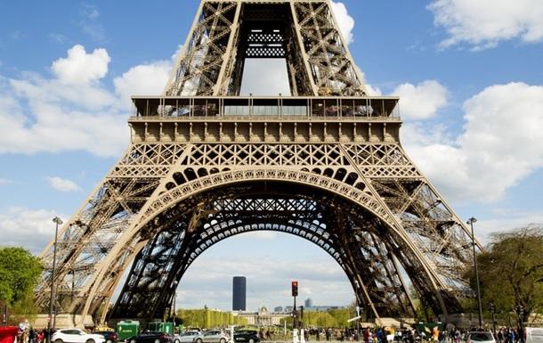 На Эйфелевой башне впервые поселят людей