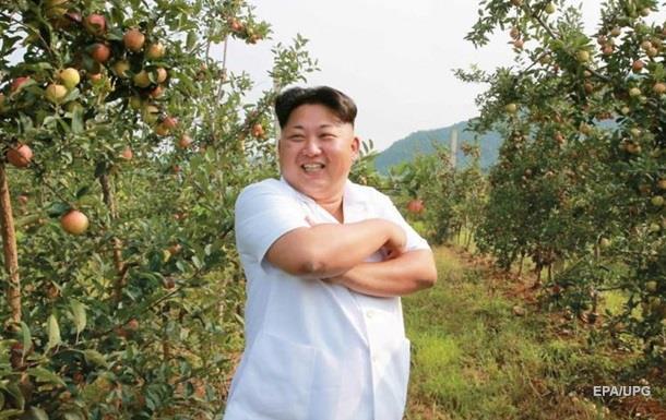 Ким Чен Ын бросил курить в поддержу антитабачной кампании - СМИ